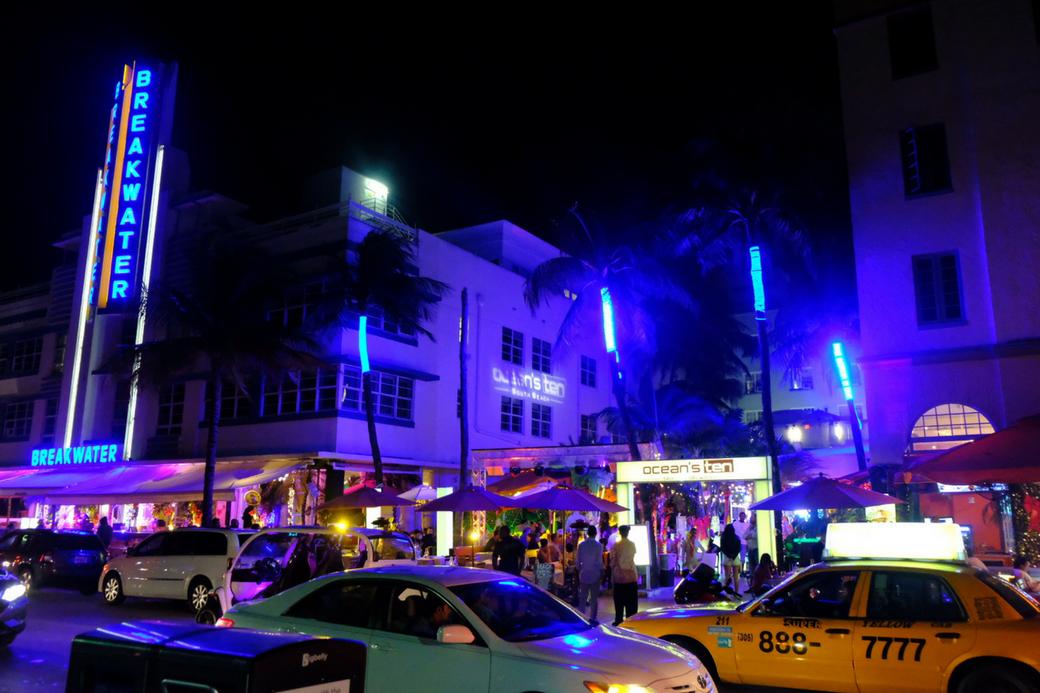 Ultimate Travel Guide To Miami Florida With Itinerary| Miami Guide | Miami travel guide south beach | Miami art deco architecture | Guide To Miami Beach | Guide To South Beach Miami | Things To Do In South Beach Miami Florida | Things to do and see in south beach Miami | Wynwood Walls | Miami Murals | Sightseeing In Miami | Miami Travel Tips | Miami Everglades Tour| Miami Wynwood Wall Murals | Little Havana Miami Florida| Ocean Drive Miami Beach #Florida #Miami #Southbeach #MiamiTravelguide