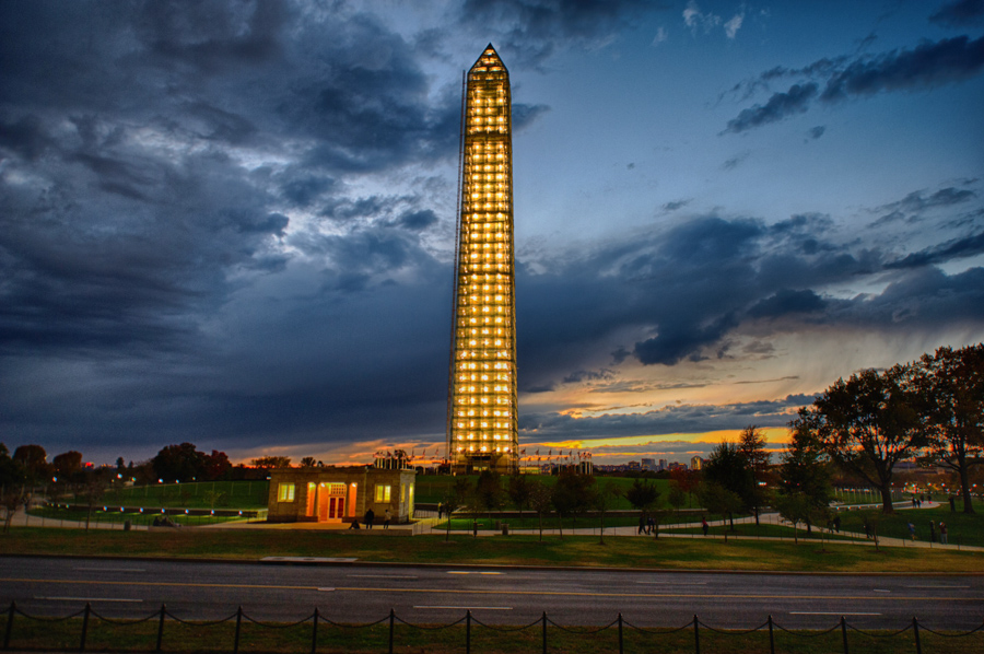 Washington Monument - Lit