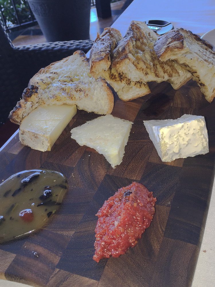 Trio Grill - Awesome Cheese Board