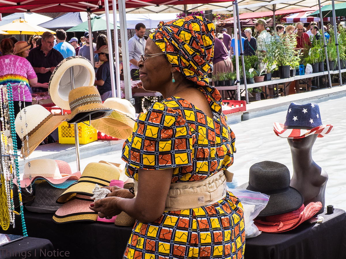 Vendor with awesome dress