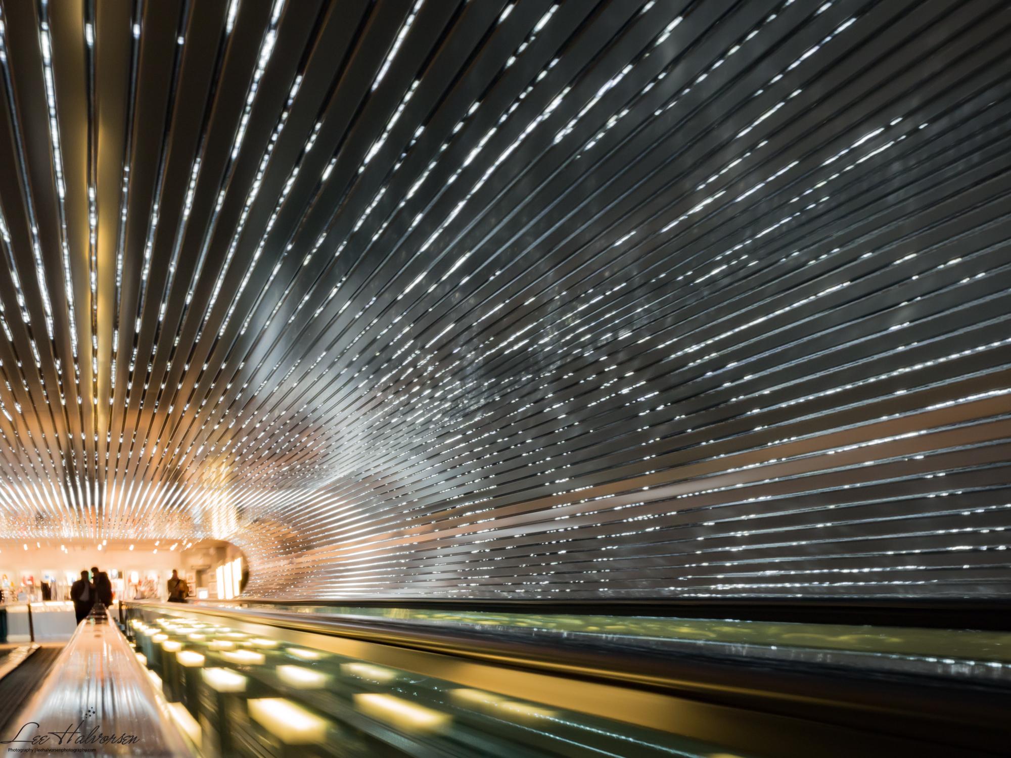 NGA - Light Tunnel, Color