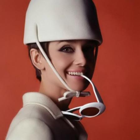 Audrey-Hepburn-style-white-hats-image9