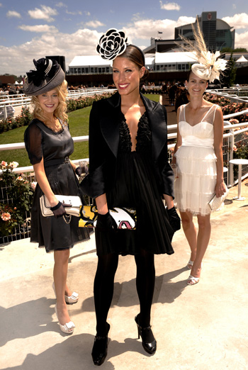Kirsty MacGillivray (centre), winner of the 2008 Myer FOTF. Photo from VRC.