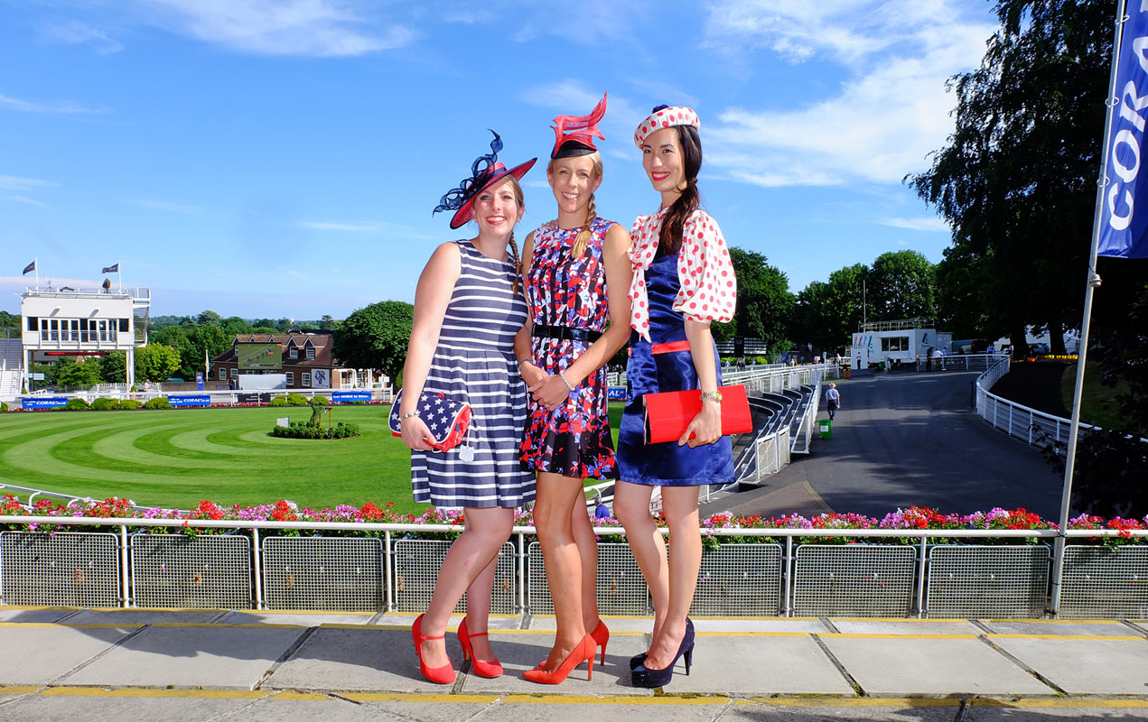 Fiona, Gail and I in our best American-themed racewear at Sandown Park.