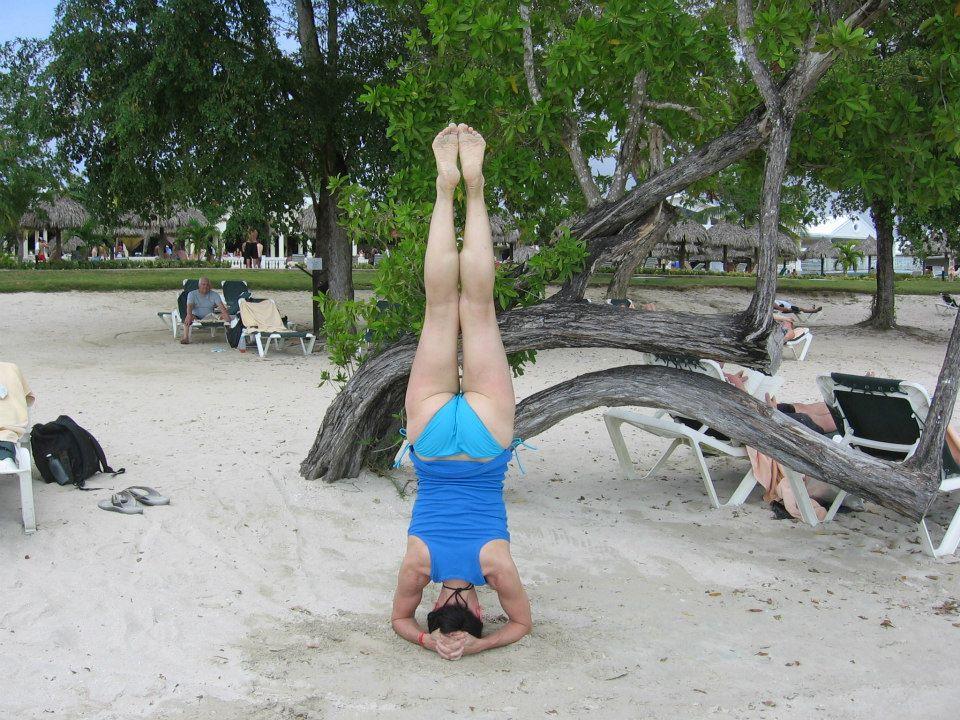 sirsasana, headstand image