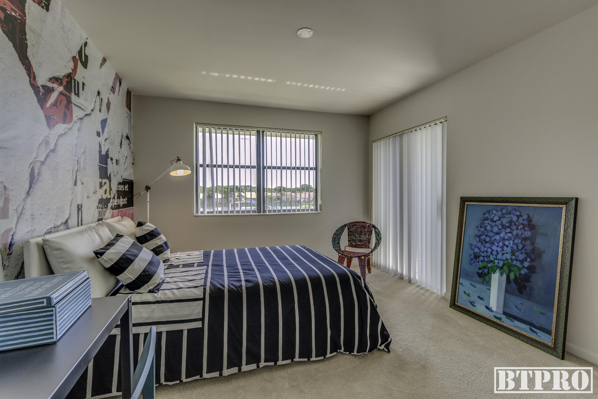 Vue Bedroom
