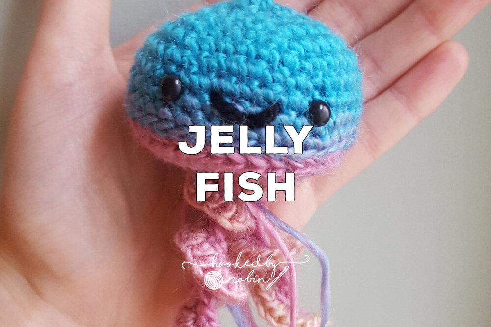 Happy jellyfish amigurumi pattern - Amigurumi Today | 667x1000