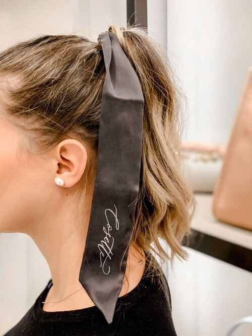 Personalised calligraphy silk head bands for Max Mara     by    Calligraphy en Vogue