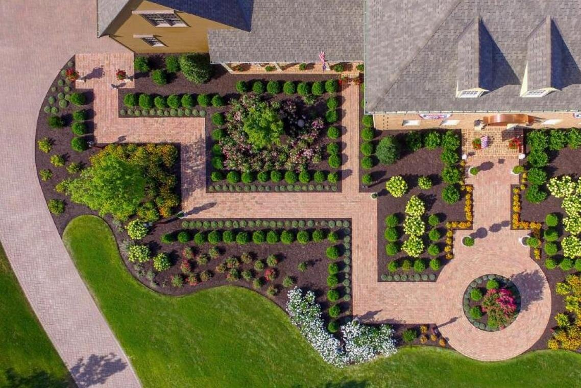 Image of: Landscape Design Ideas For Your Front Yard In The Hummelstown Pa Area Goldglo Landscapes