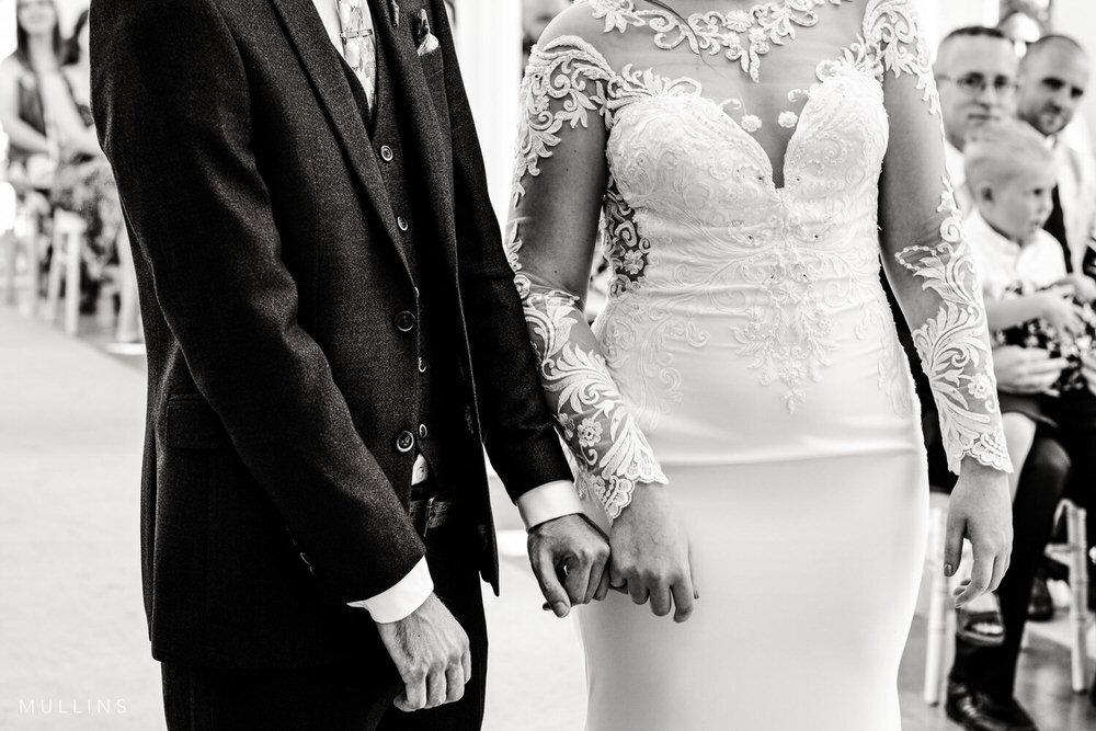 Os dedos interligados - por que eu amo essa foto de casamento 1