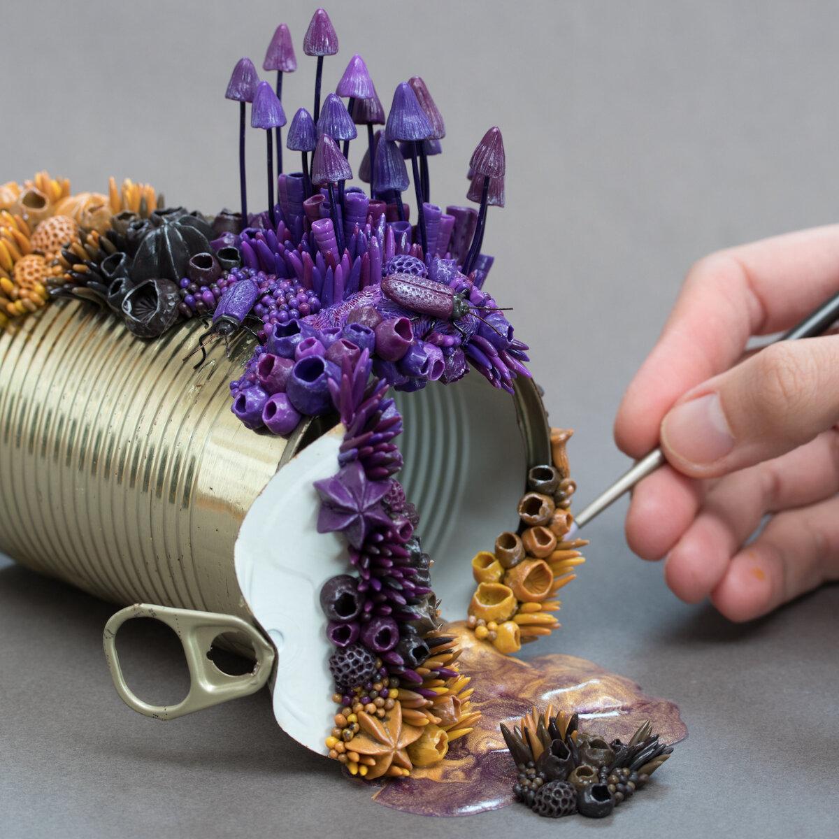 紫色真菌,2019年,锡罐上的混合媒体11选5技巧,斯蒂芬妮·基尔加斯特