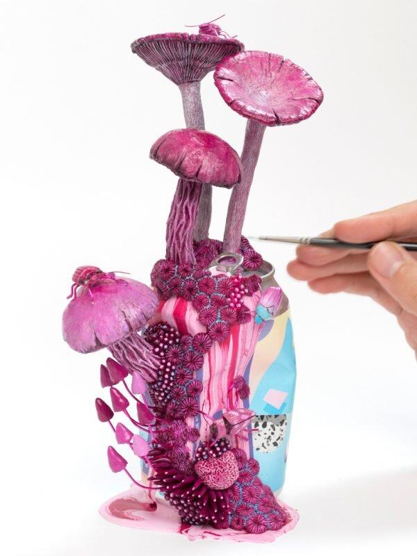 拉维恩·恩·罗斯(La Vie En Rose),饮水瓶雕塑,斯蒂芬妮·基尔加斯特(Stephanie Kilgast),2019年