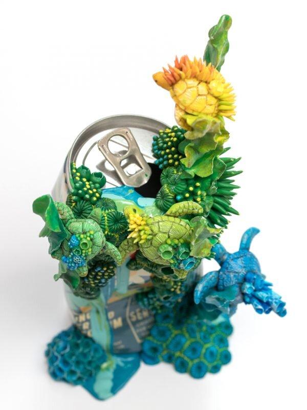 游泳(海龟),饮水罐雕塑,斯蒂芬妮·基尔加斯特,2019