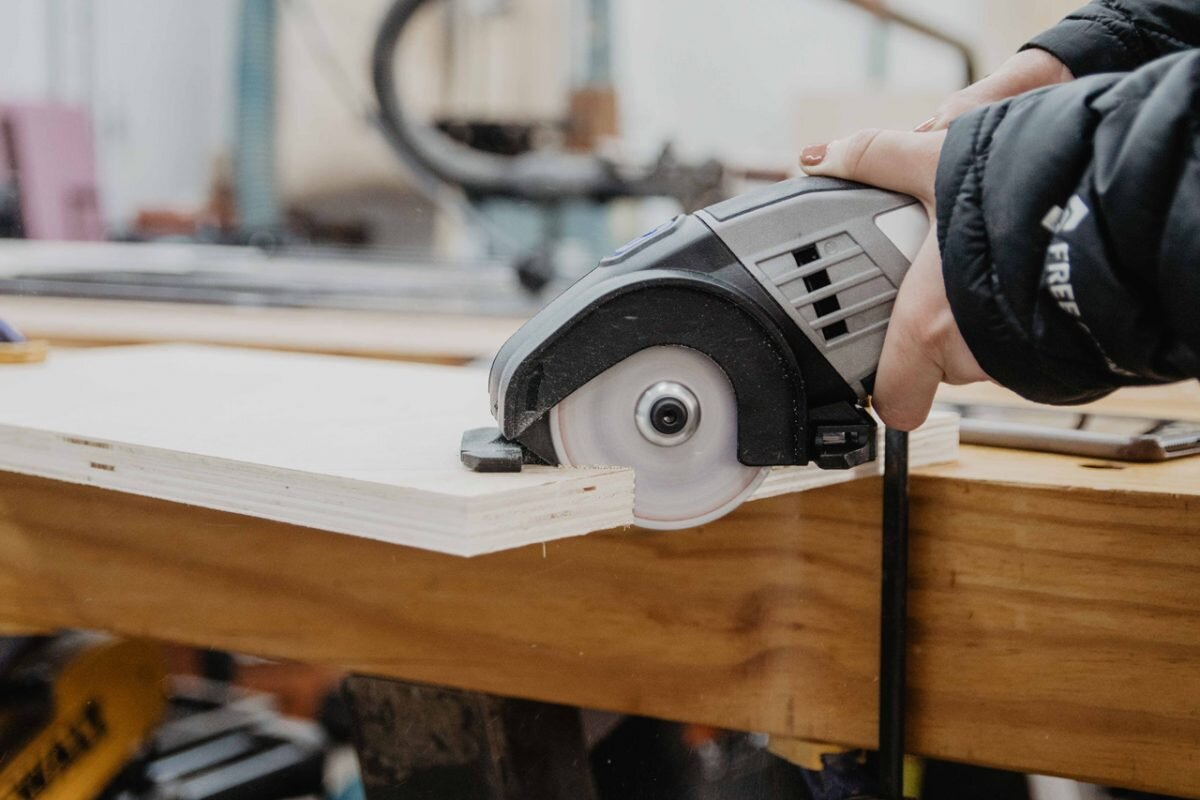Dremel Saw-Max 6 Amp Variable Speed Corded Tool Kit | Review — WOODBREW