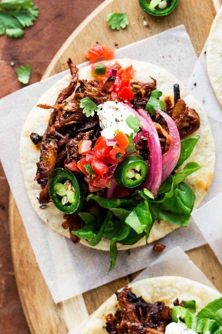 vegan-pulled-mushroom-tacos-close-up-800x1200.jpeg