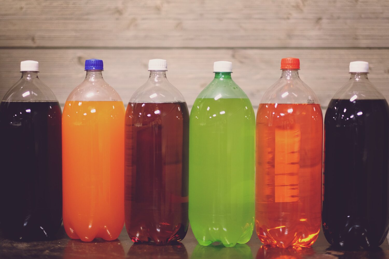 Sugar-sweetened drinks can double bowel cancer risk before age 50