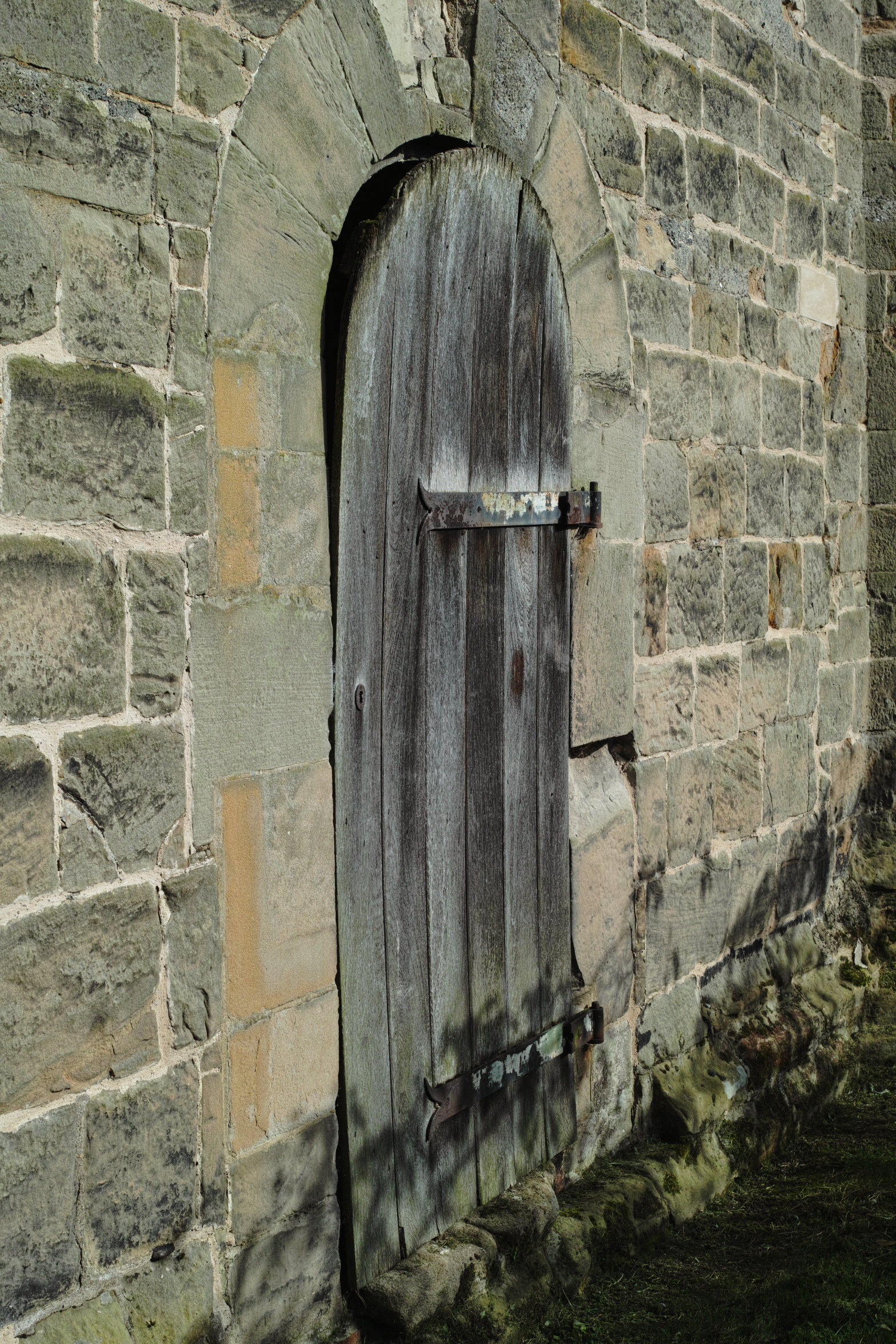 Sigma DP2 Merrill - A Church door. 50% size JPEG from SPP. 1/320s @ f7.1 ISO100