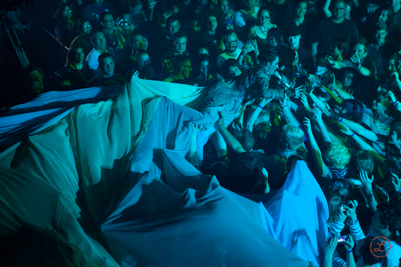 AFP_CrowdSurf-4910.jpg