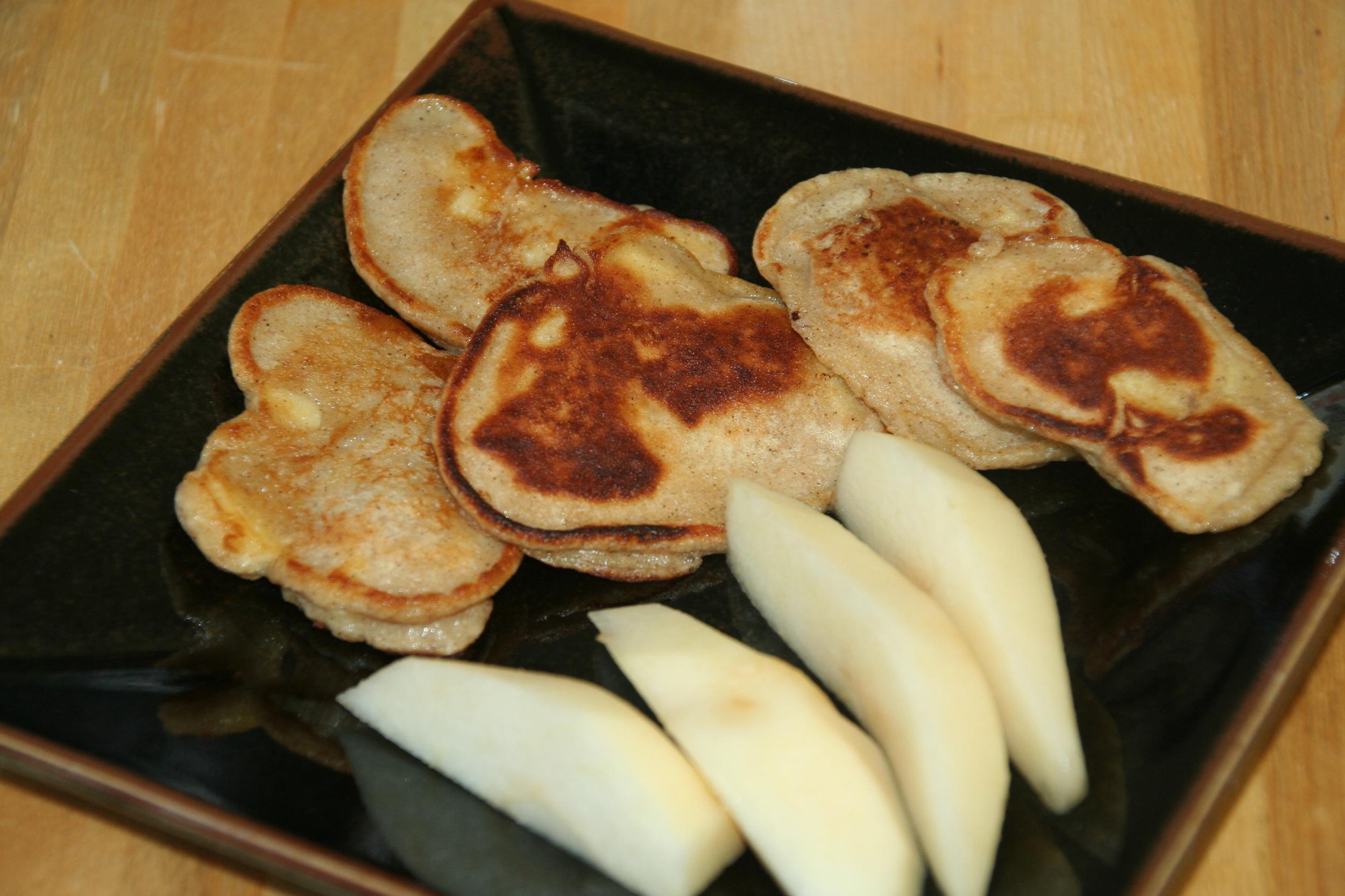 Weelicious Apple Vanilla Pancakes