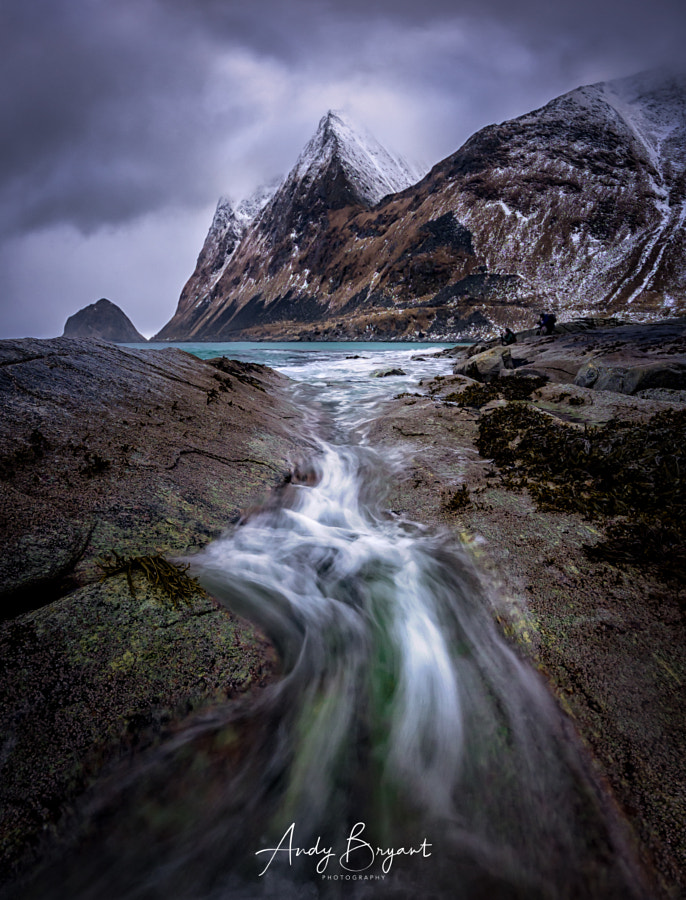 Flow on a grey day in Lofoten