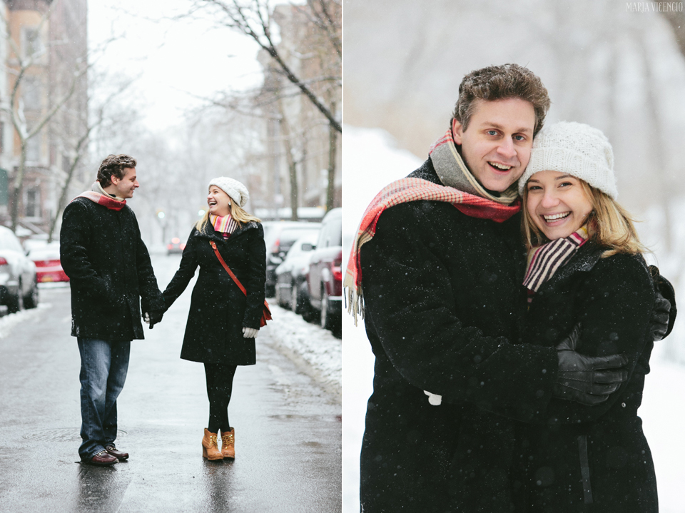 Snowy winter engagement by Maria Vicencio Photography