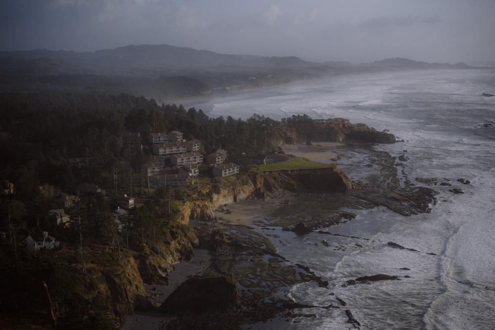 Oregon-Coast-Devils-Punchbowl-0005.jpg