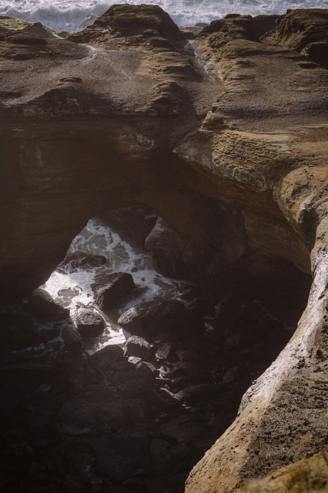 Oregon-Coast-Devils-Punchbowl-0001-2.jpg