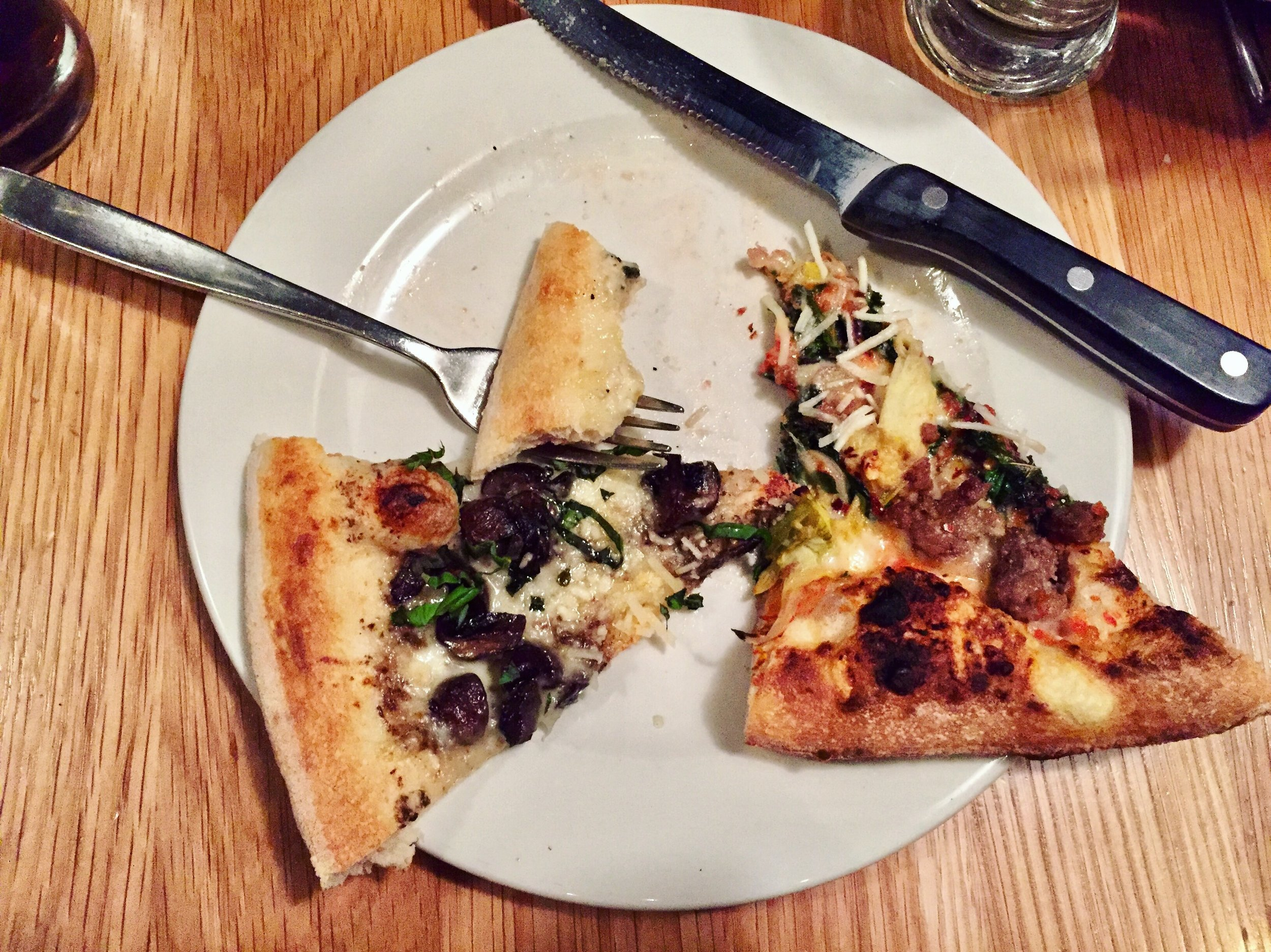9-the-most-amazing-pizza-at-double-zero_30708347296_o.jpg