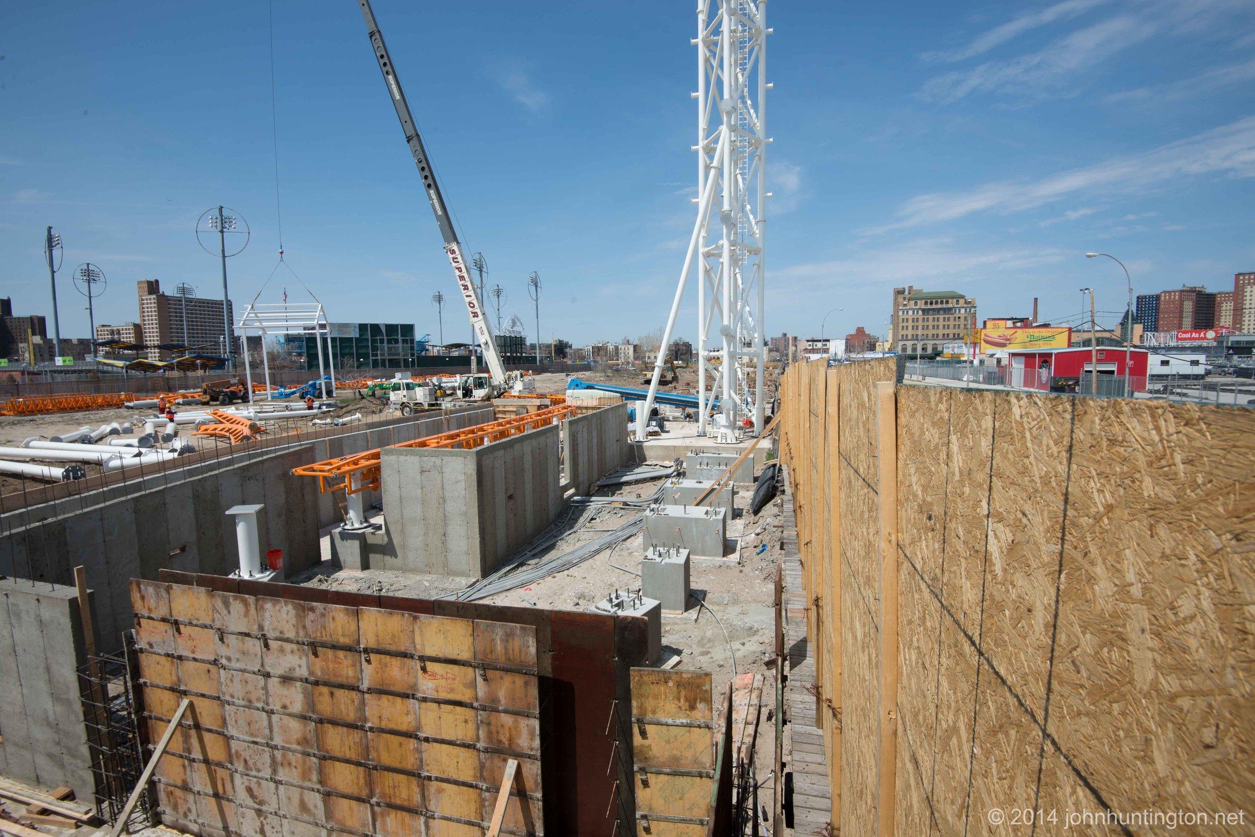 Huntington-Thunderbolt2014-Construction-2.jpg