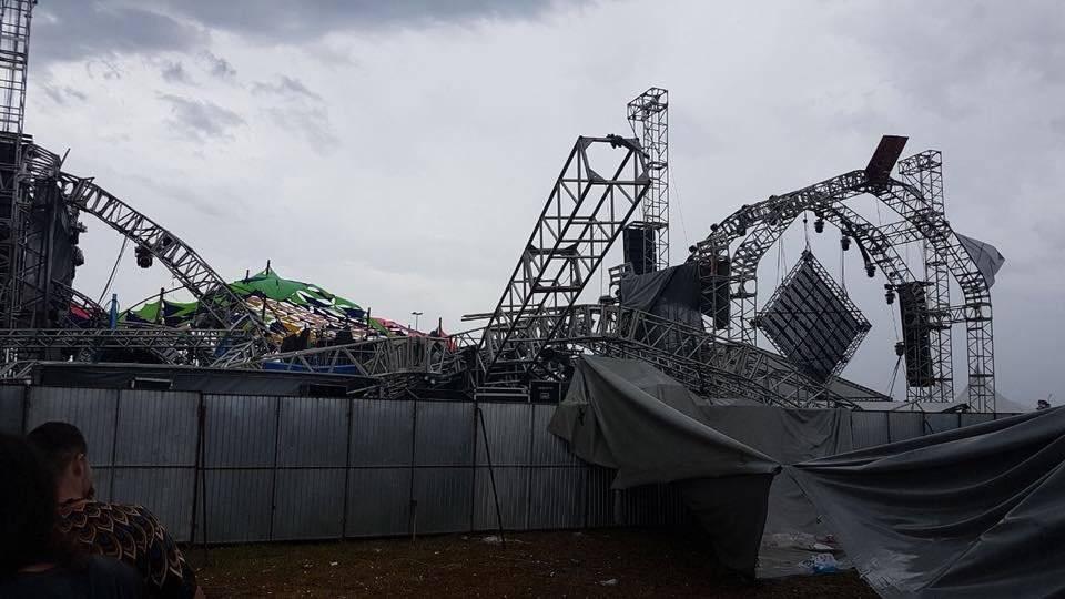 https://www.publimetro.com.mx/mx/entretenimiento/2017/12/17/dj-muere-tras-derrumbe-del-escenario-en-festival-piriamusic-en-brasil.html
