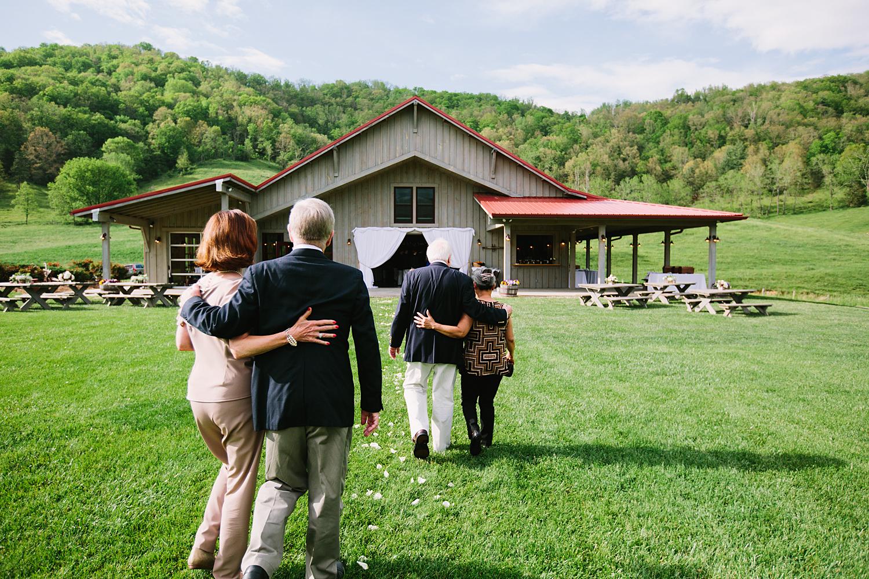 jeremy-russell-claxton-farm-wedding-1405-29.jpg