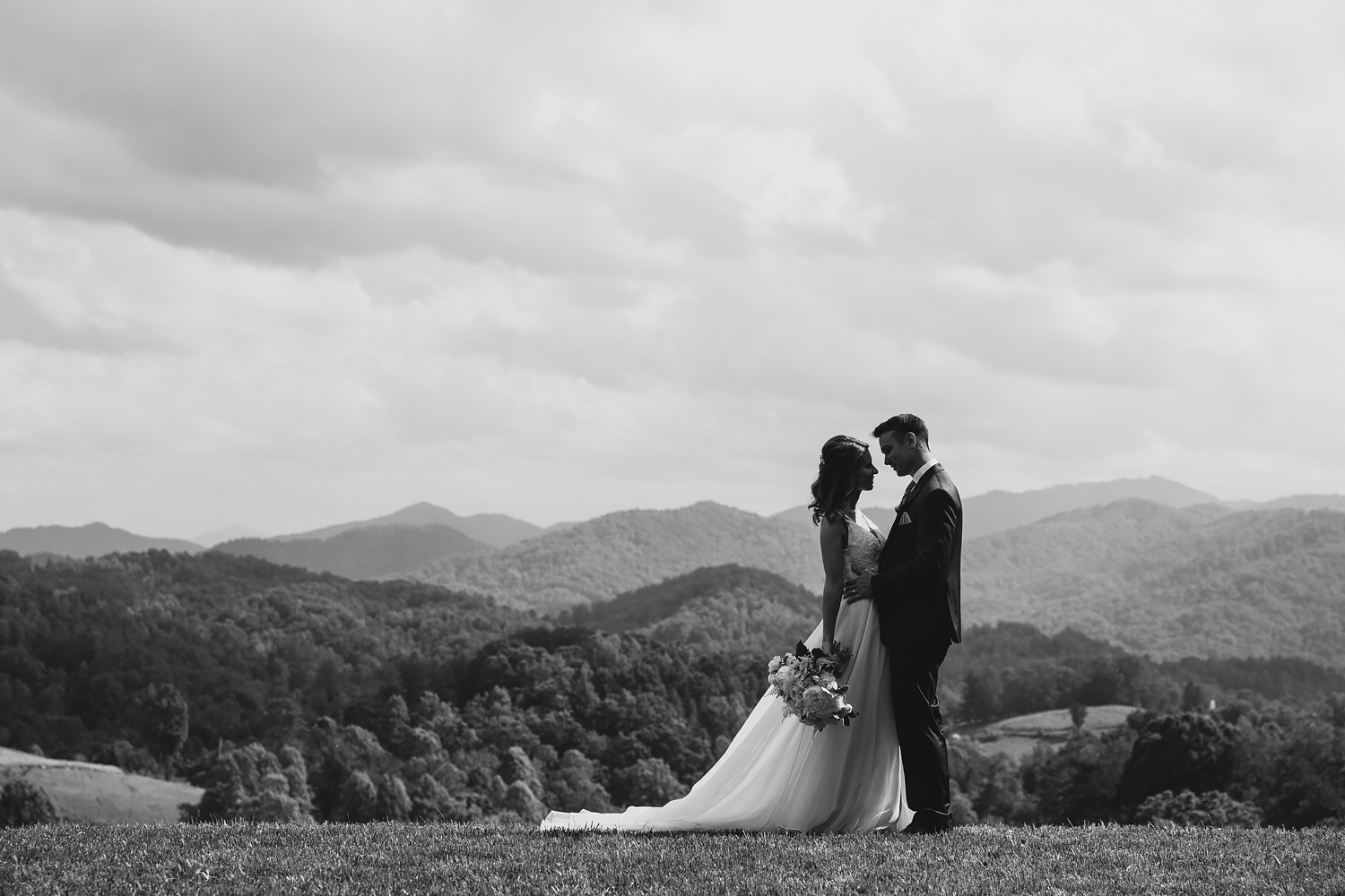 Jeremy-Russell-Asheville-Ridge-Venue-Wedding-17-050.jpg