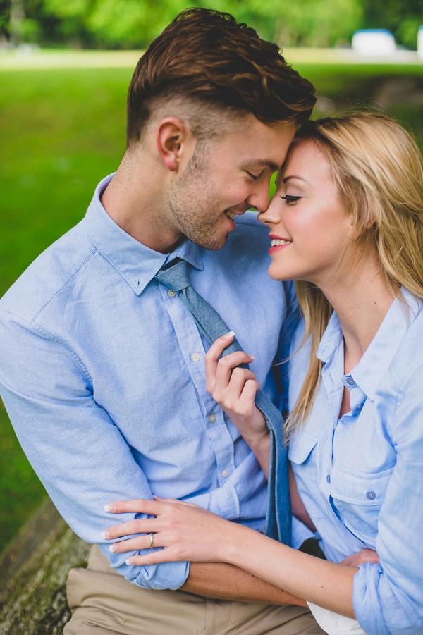 Engagement-poses-3.jpg