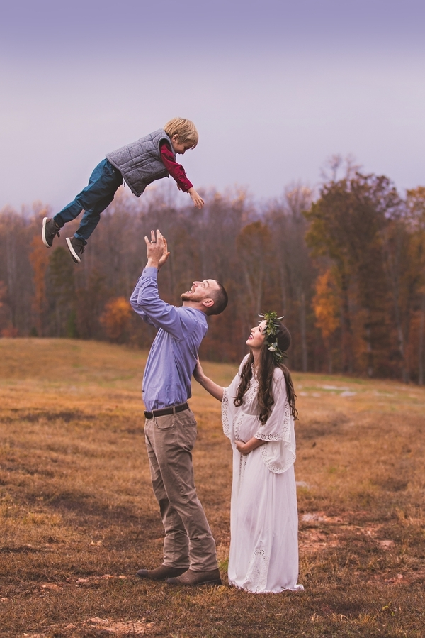 Vaughan_MeganVaughanPhotography_LynchburgMaternityPhotographer0019_low.jpg