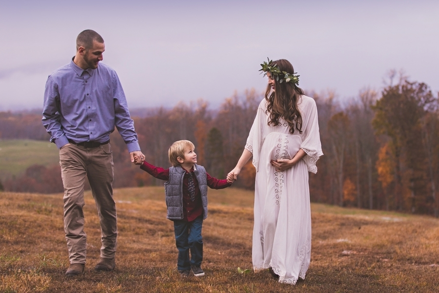 Vaughan_MeganVaughanPhotography_LynchburgMaternityPhotographer0030_low.jpg