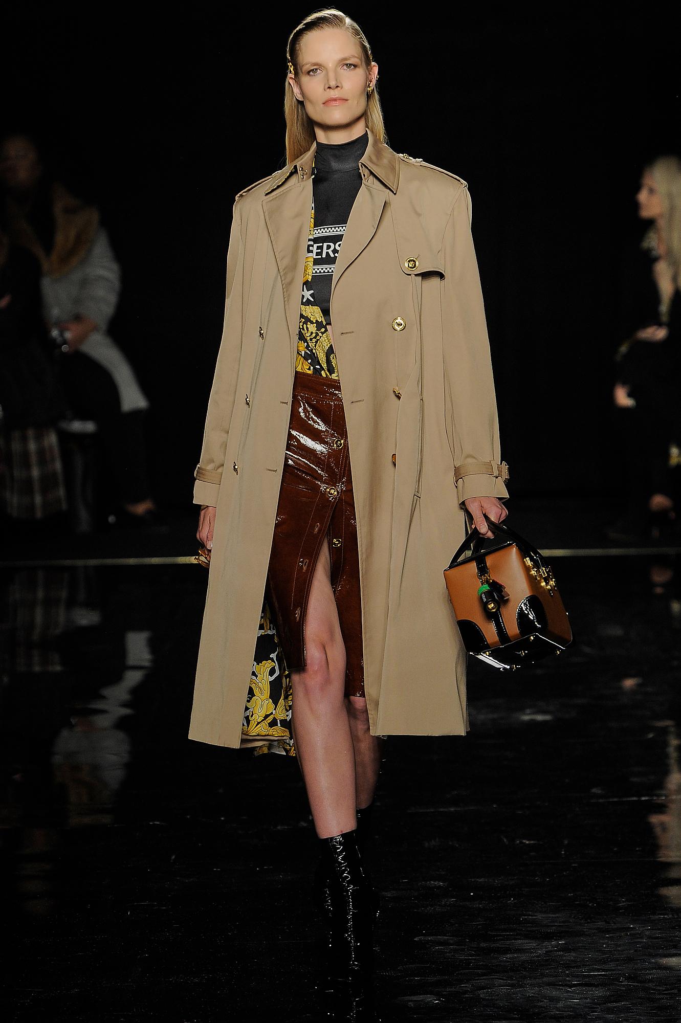 Versace_5_a3_versace_runway_runway_00005.jpg