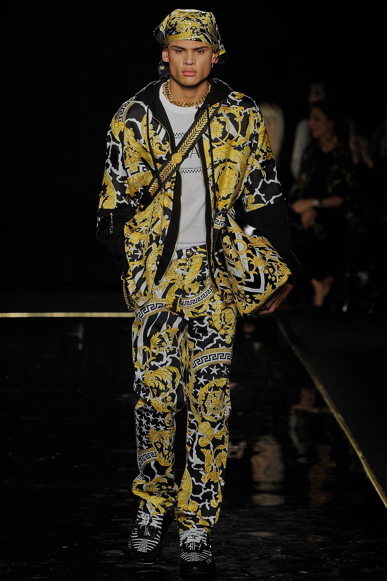 Versace_8_7a_versace_runway_runway_00008.jpg