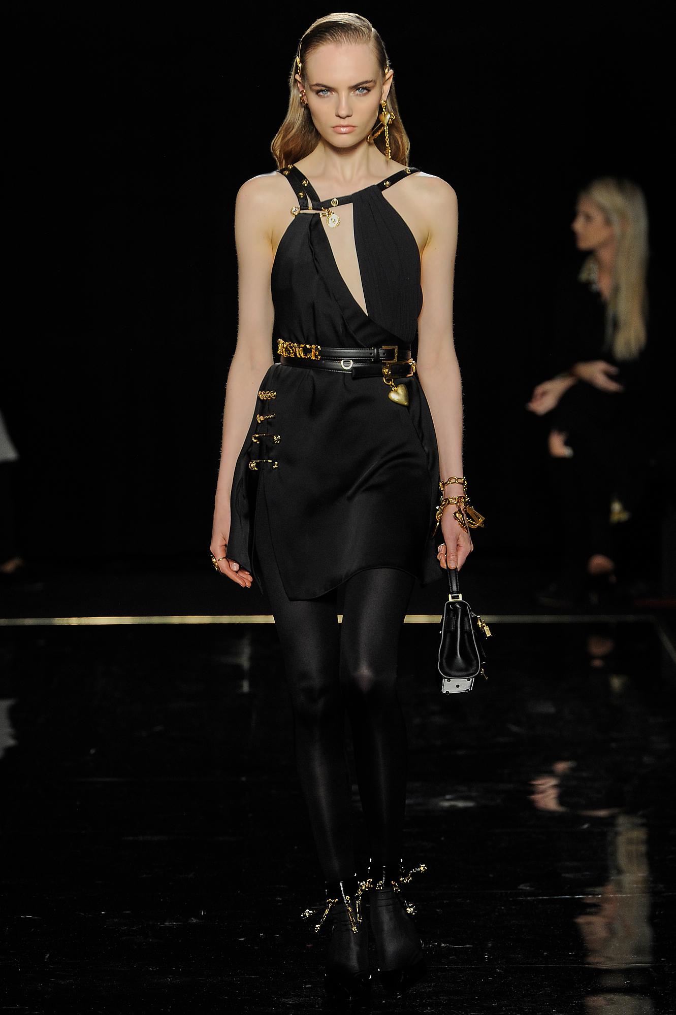 Versace_10_7b_versace_runway_runway_00010.jpg