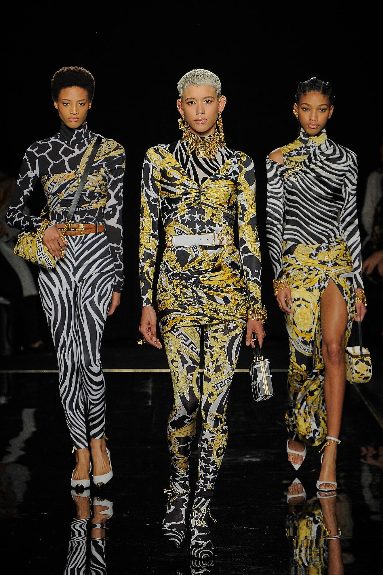 Versace_11_d9_versace_runway_runway_00011.jpg