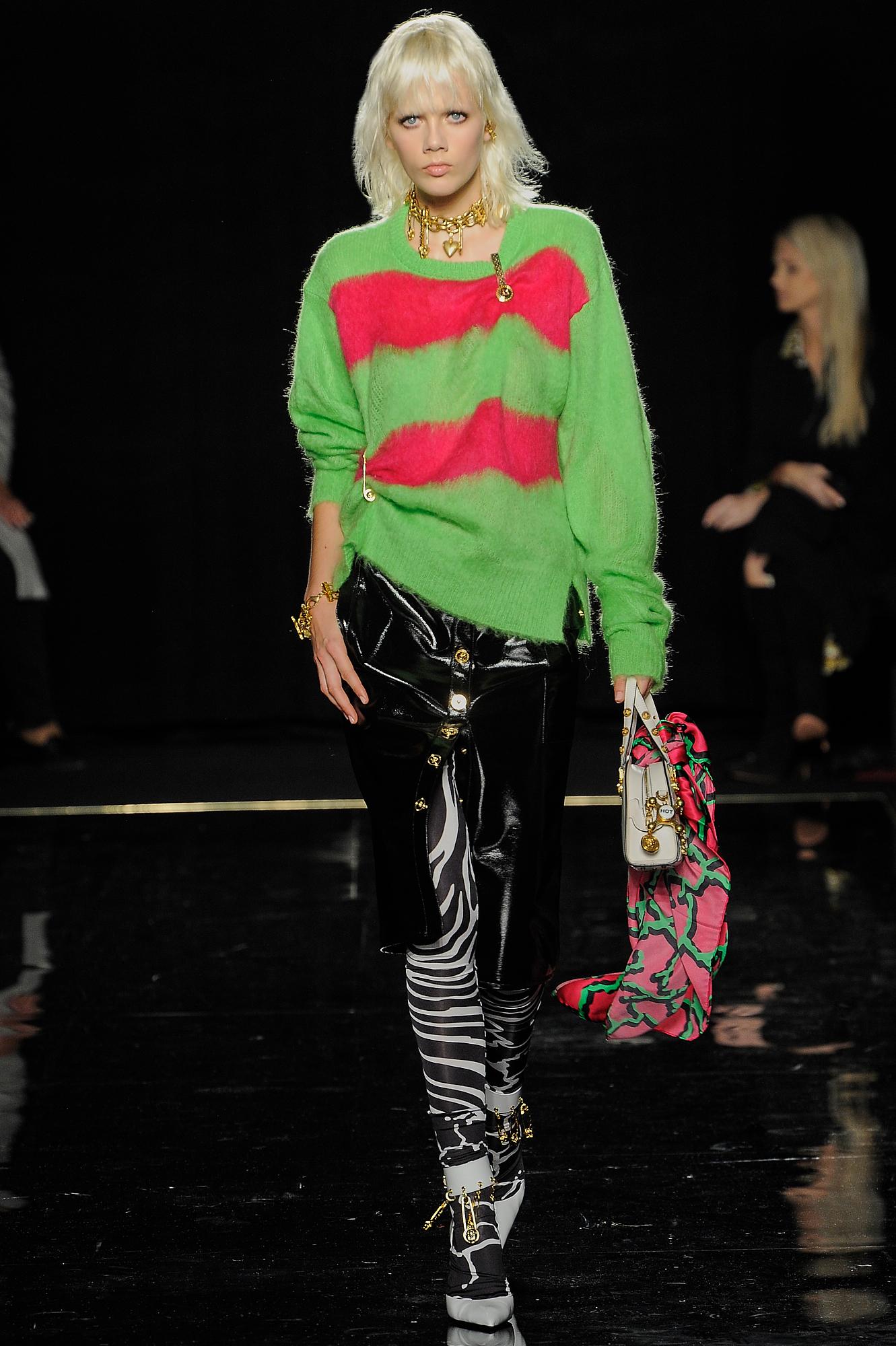 Versace_25_17_versace_runway_runway_00025.jpg