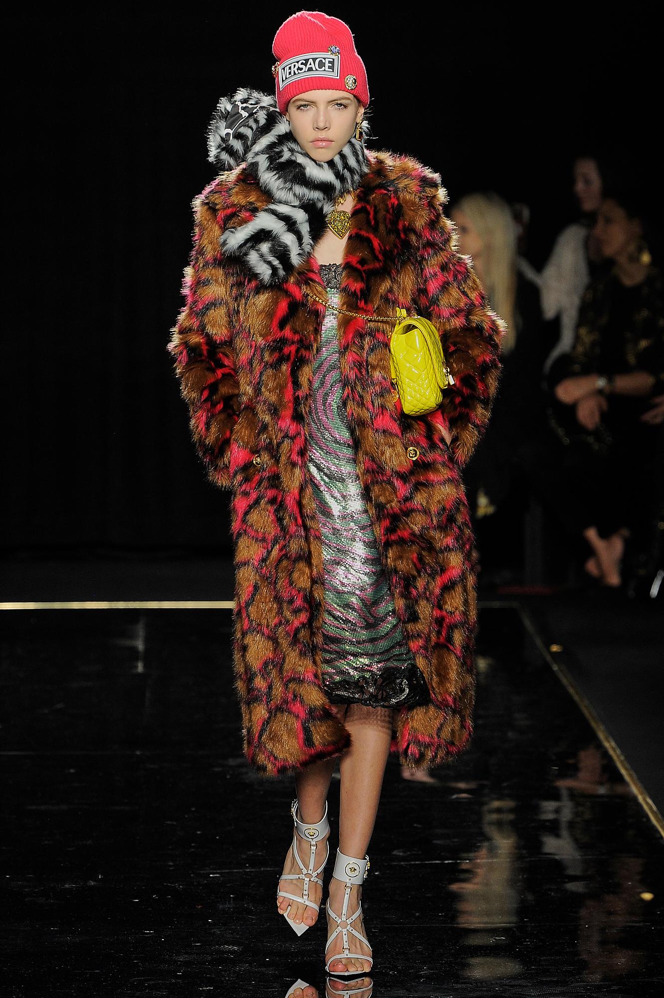 Versace_29_3d_versace_runway_runway_00029.jpg