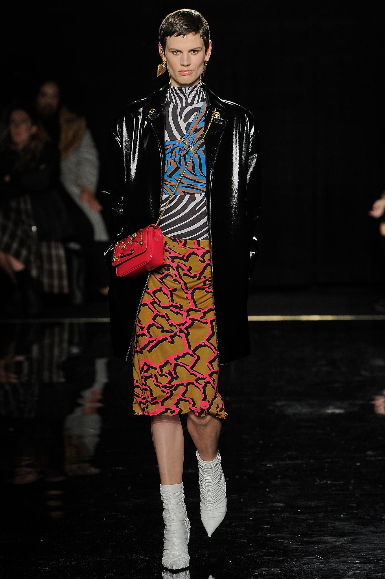 Versace_30_48_versace_runway_runway_00030.jpg
