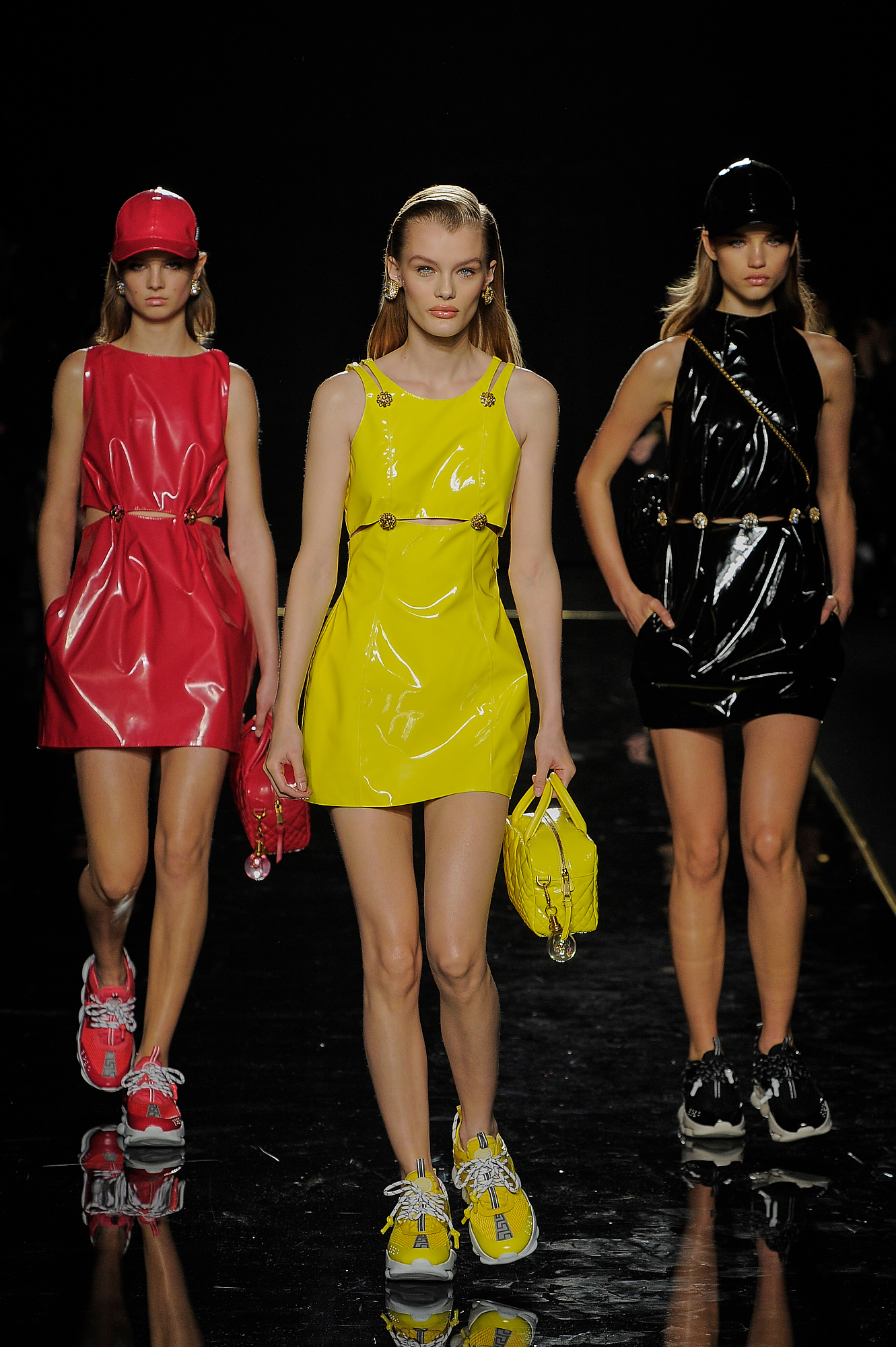 Versace_33_12_versace_runway_runway_00033.jpg