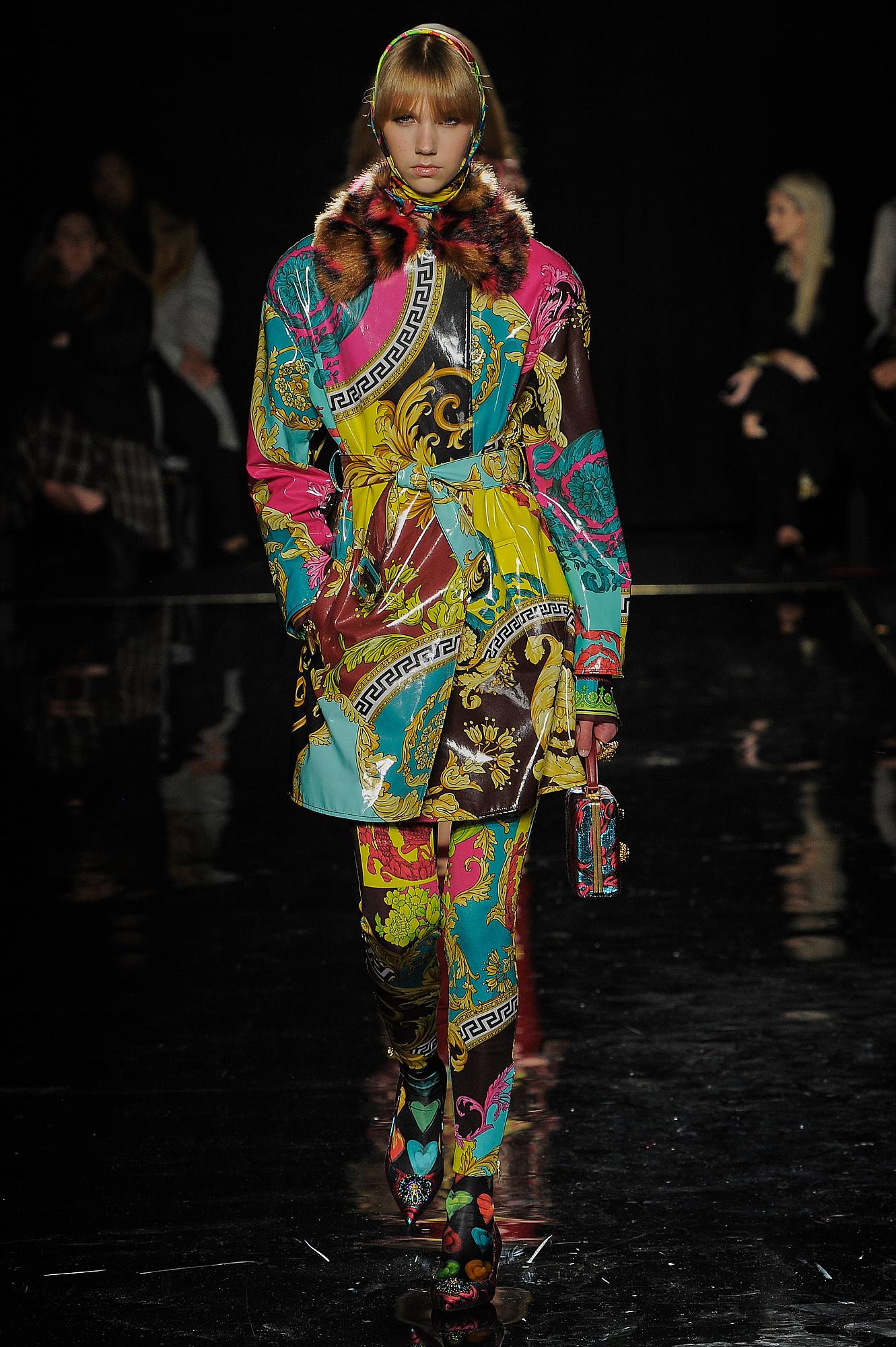 Versace_37_5e_versace_runway_runway_00037.jpg