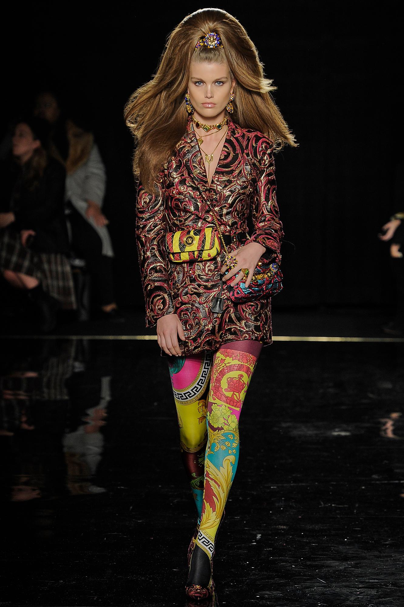 Versace_40_1a_versace_runway_runway_00040.jpg