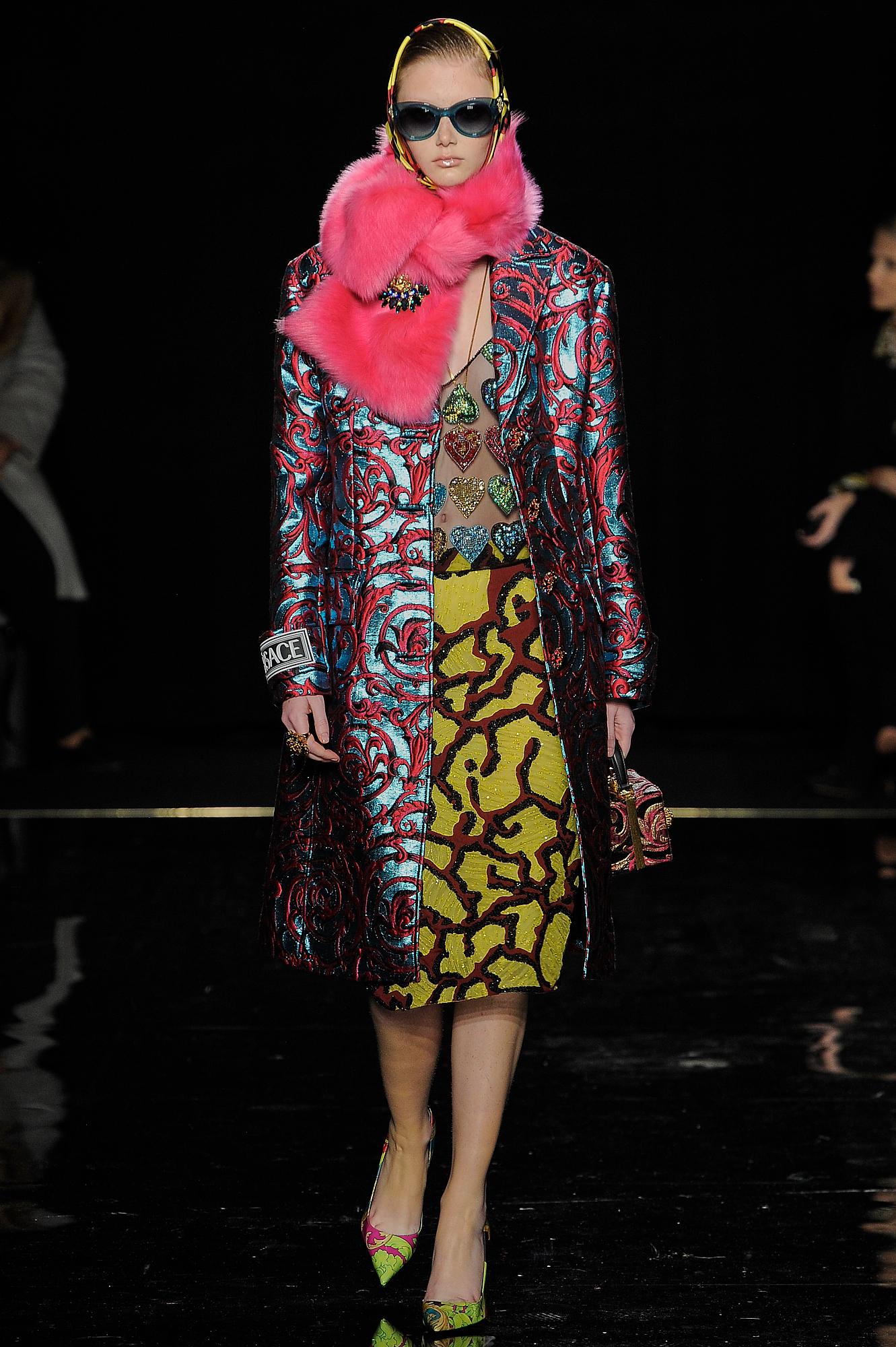 Versace_42_66_versace_runway_runway_00042.jpg