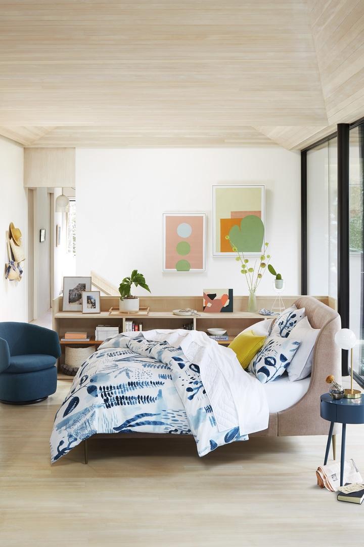 Lana Upholstered Bed -