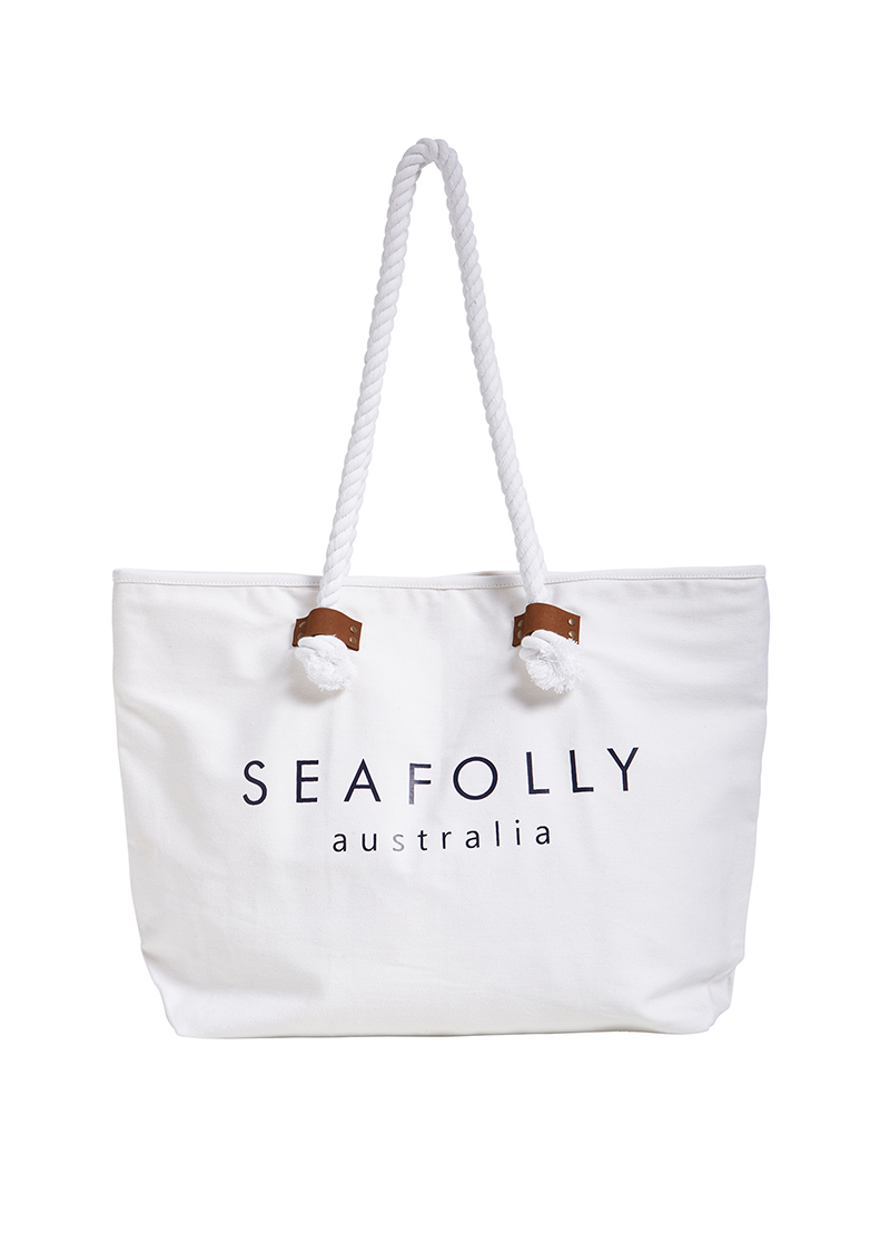 BEACH BASICS SHIP SAIL TOTEStyle: 71147-BG-White - The new summer must-have beach bag, Seafolly's Ship Sail Tote features:- Twist rope handles with leather-look tabs- Internal pocket with zip- Printed Seafolly logo on bag front- Dimensions: W55cm x D37cmFabric: 100% Cotton TwillTo ensure correct treatment, please refer to individual care labels on each product