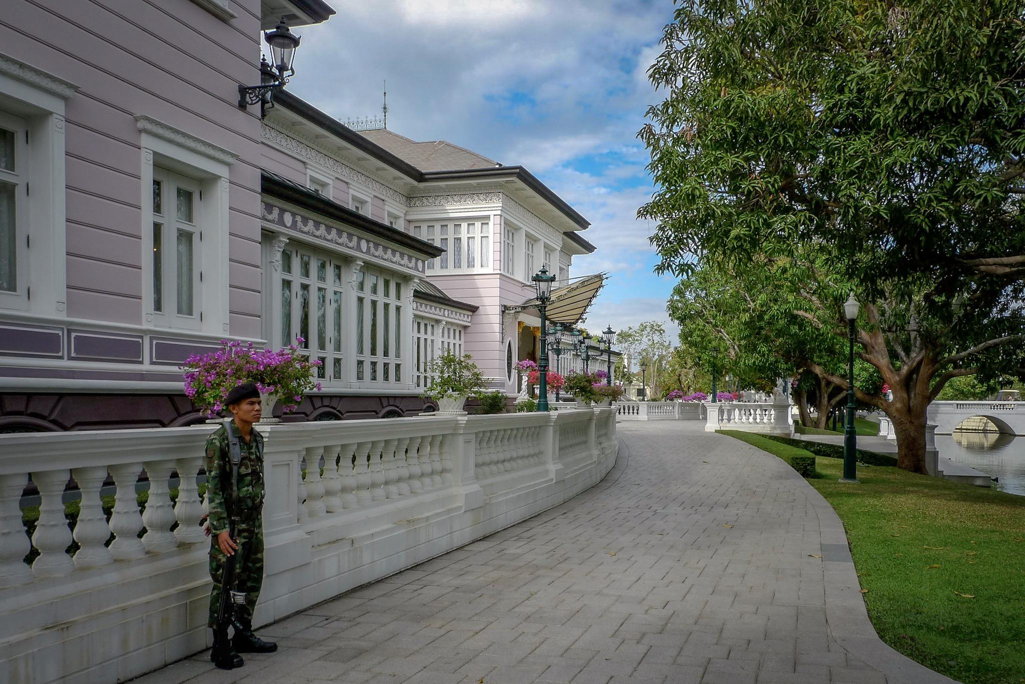 Royal Complex