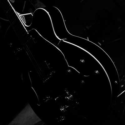Guitar_web.jpg
